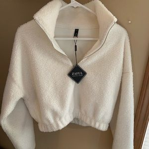 NWT Zaful half zip white faux fur teddy sweatshirt